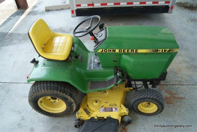 John Deere 317 Lawn & Garden Tractor