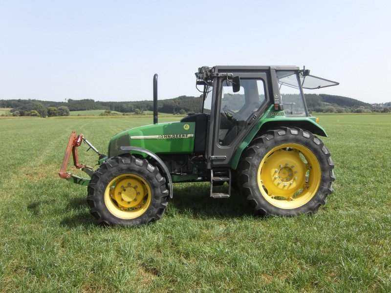 John Deere JD 3300 Tractor - technikboerse.com