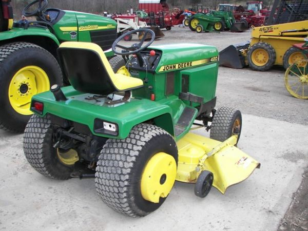 559B: Nice John Deere 420 Lawn Tractor w/ Mower!!! : Lot 559B