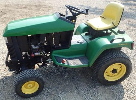 John Deere 445 455 425 Tractor 54