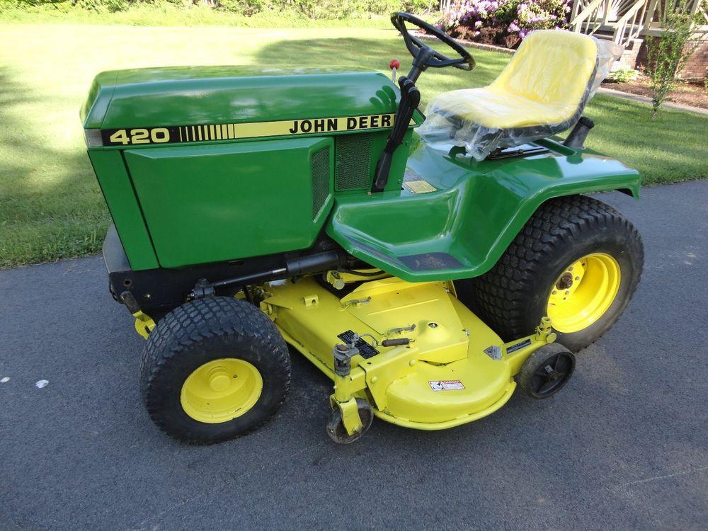 John Deere 420 lawn & garden Tractor w/ 60
