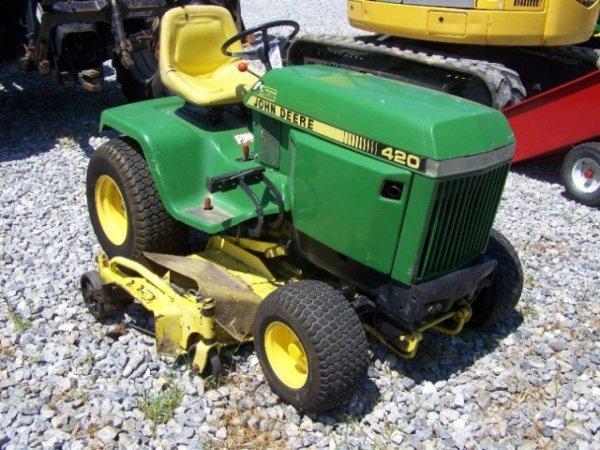 201: John Deere 420 Lawn and Garden Tractor 60