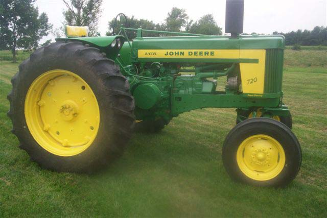 John Deere 720 Diesel tractor for sale