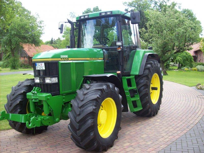 Tractor John Deere 7700 - technikboerse.com