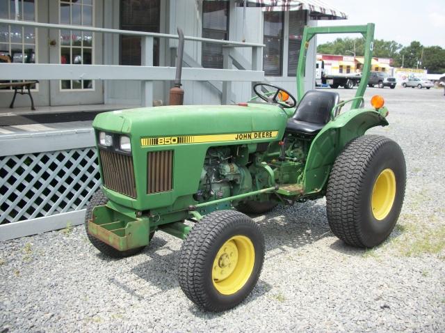 John Deere 850 Diesel Tractor with finishing mower ...
