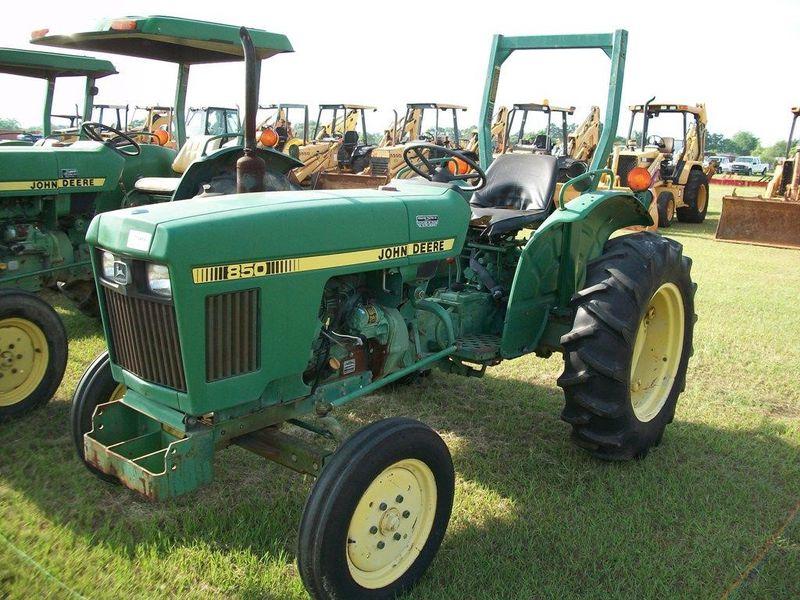 John Deere 850 Tractor #CH0850S030464 BURTON FARM ...