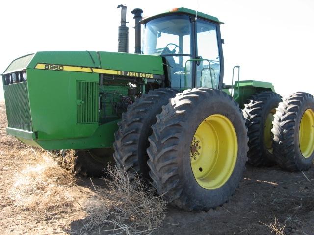 John Deere 8960 salvage tractor at Bootheel Tractor Parts