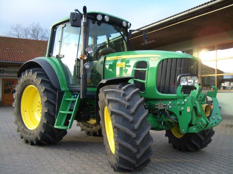 John Deere 6830 Premium Tractor - technikboerse.com