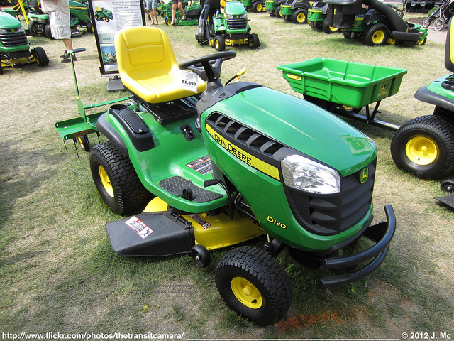 John Deere D130 Ride-on Mower with 42-inch Deck