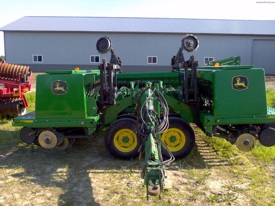 2005 John Deere 455 Planting & Seeding - Box Drills - John Deere ...