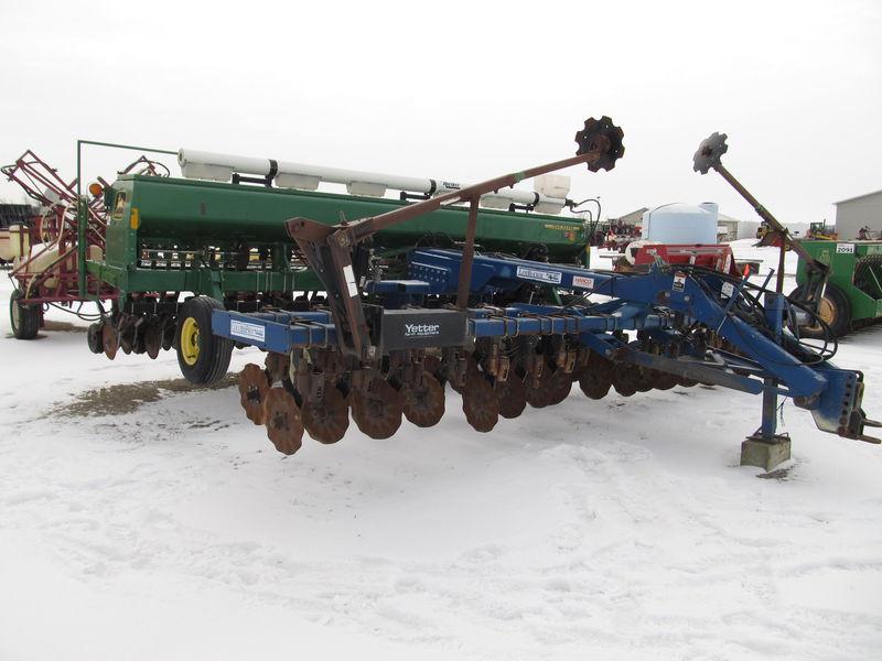 John Deere 1520 Drills and Caddies | Jeff Lillycrop Campbellville, ON