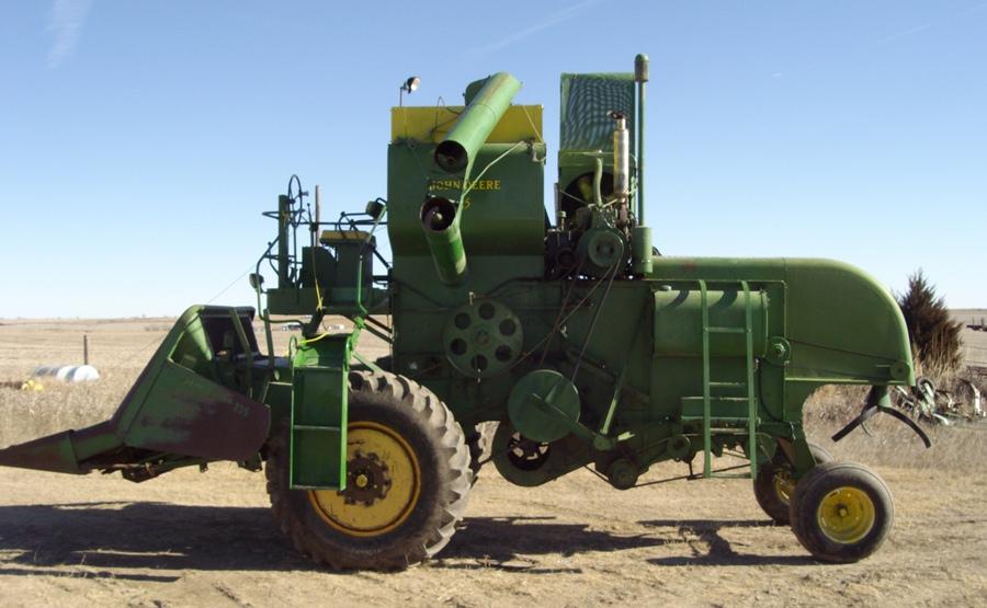 Tractor of the Week: 1951 John Deere Model 55 Combine