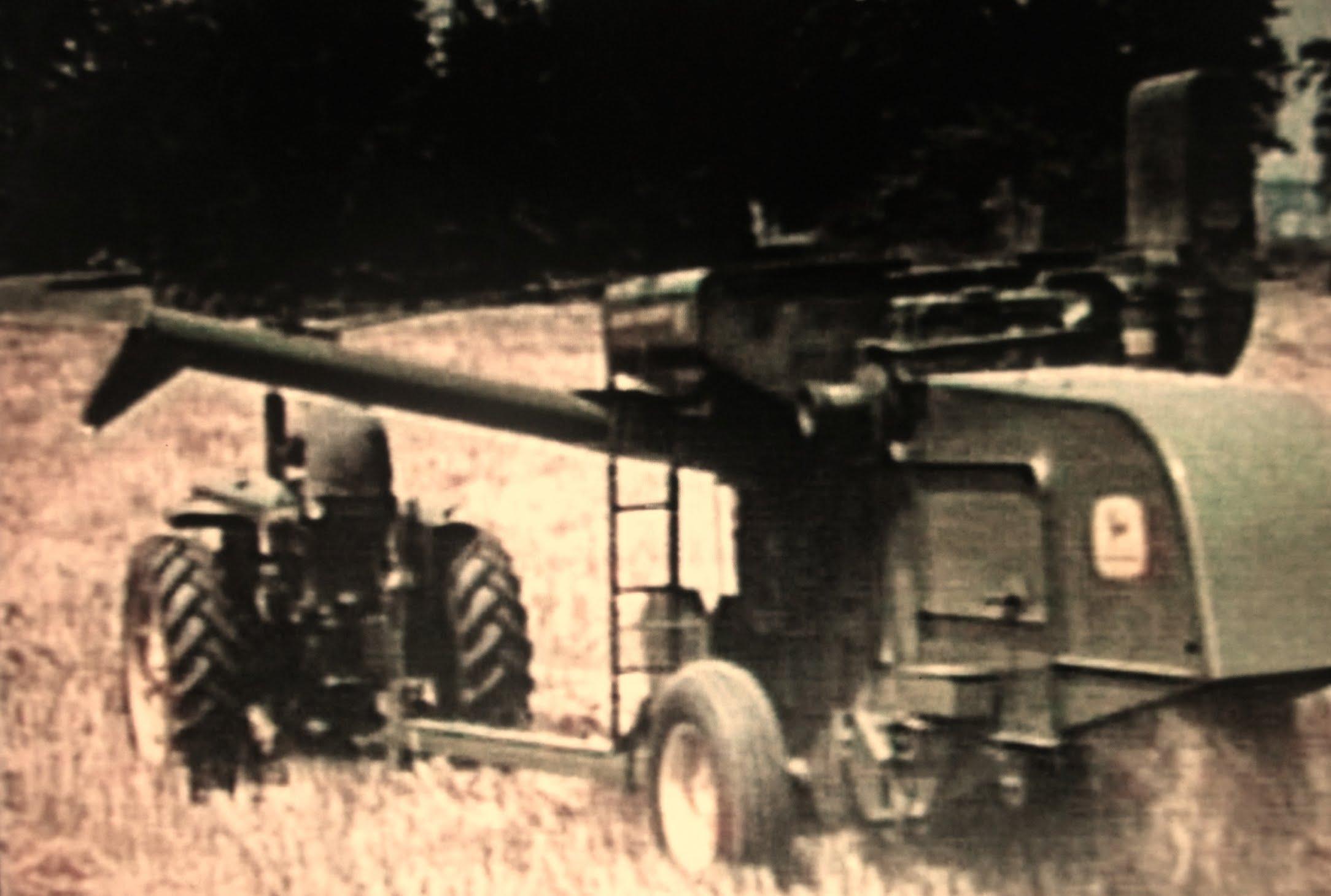 Model 65 Pull-type - John Deere