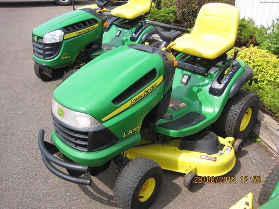 2010 John Deere LA145 Lawn & Garden and Commercial Mowing ...