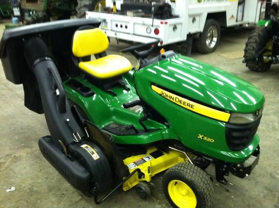 2008 John Deere X320 Lawn & Garden and Commercial Mowing ...