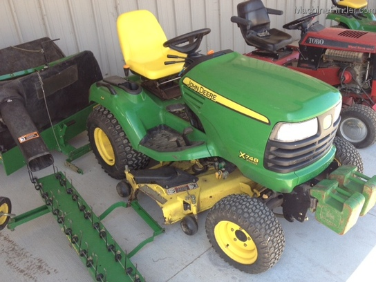 2006 John Deere X748 Lawn & Garden and Commercial Mowing ...