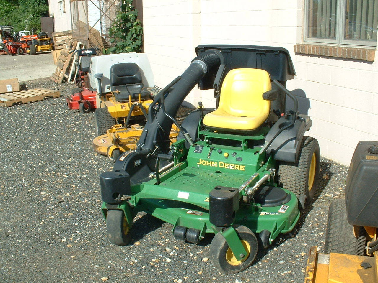 John Deere 717a Zero turn mower 48in deck and bagger, good ...