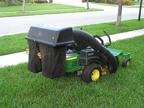 John Deere Z225 Zero Turn mower with bagger for Sale in ...