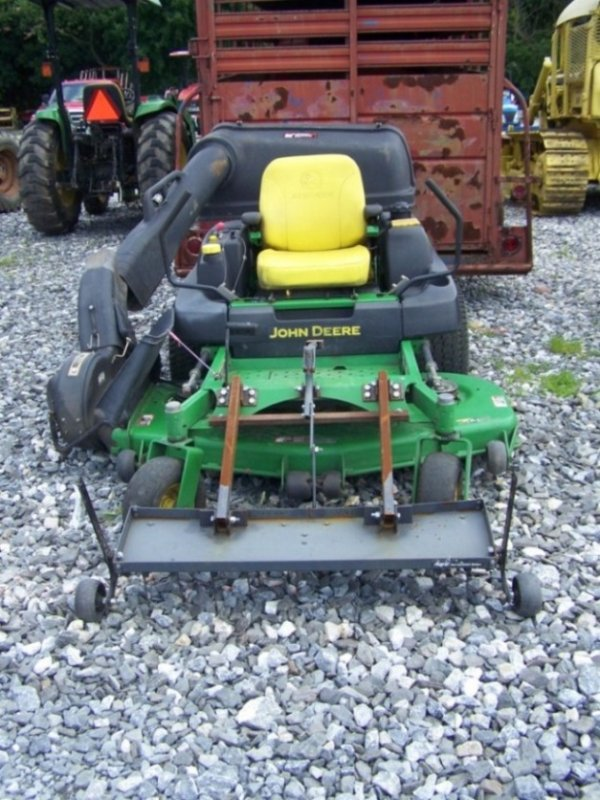 388: John Deere 757 Zero Turn Mower Tractor w Bagger : Lot 388