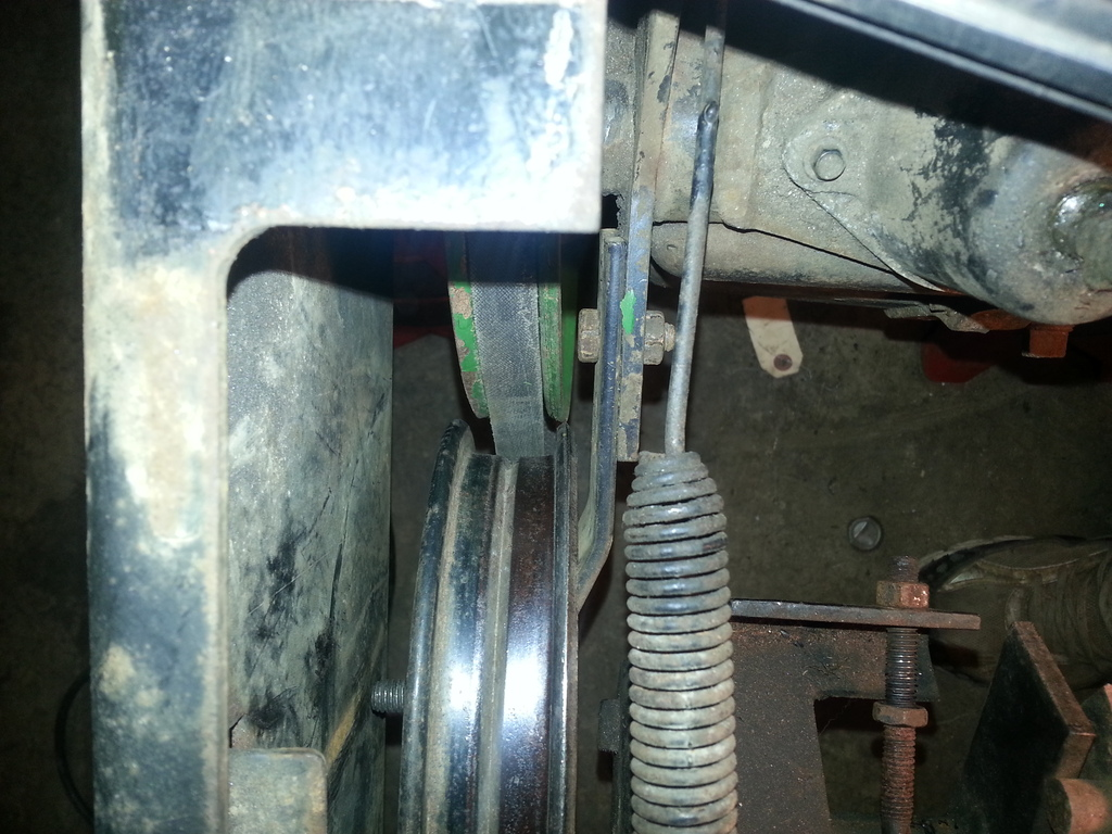 John Deere 212(and others) variator / movement issue - MyTractorForum.com - The Friendliest ...