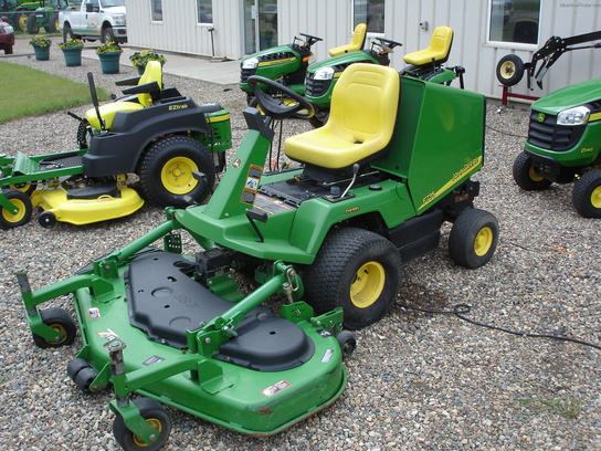 2004 John Deere F735 Lawn & Garden and Commercial Mowing - John Deere MachineFinder