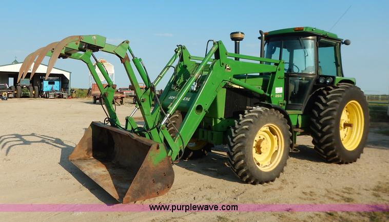 J6475.JPG - 1992 John Deere 3255 MFWD tractor, 12,596 hours on meter, John Deere 359 six ...