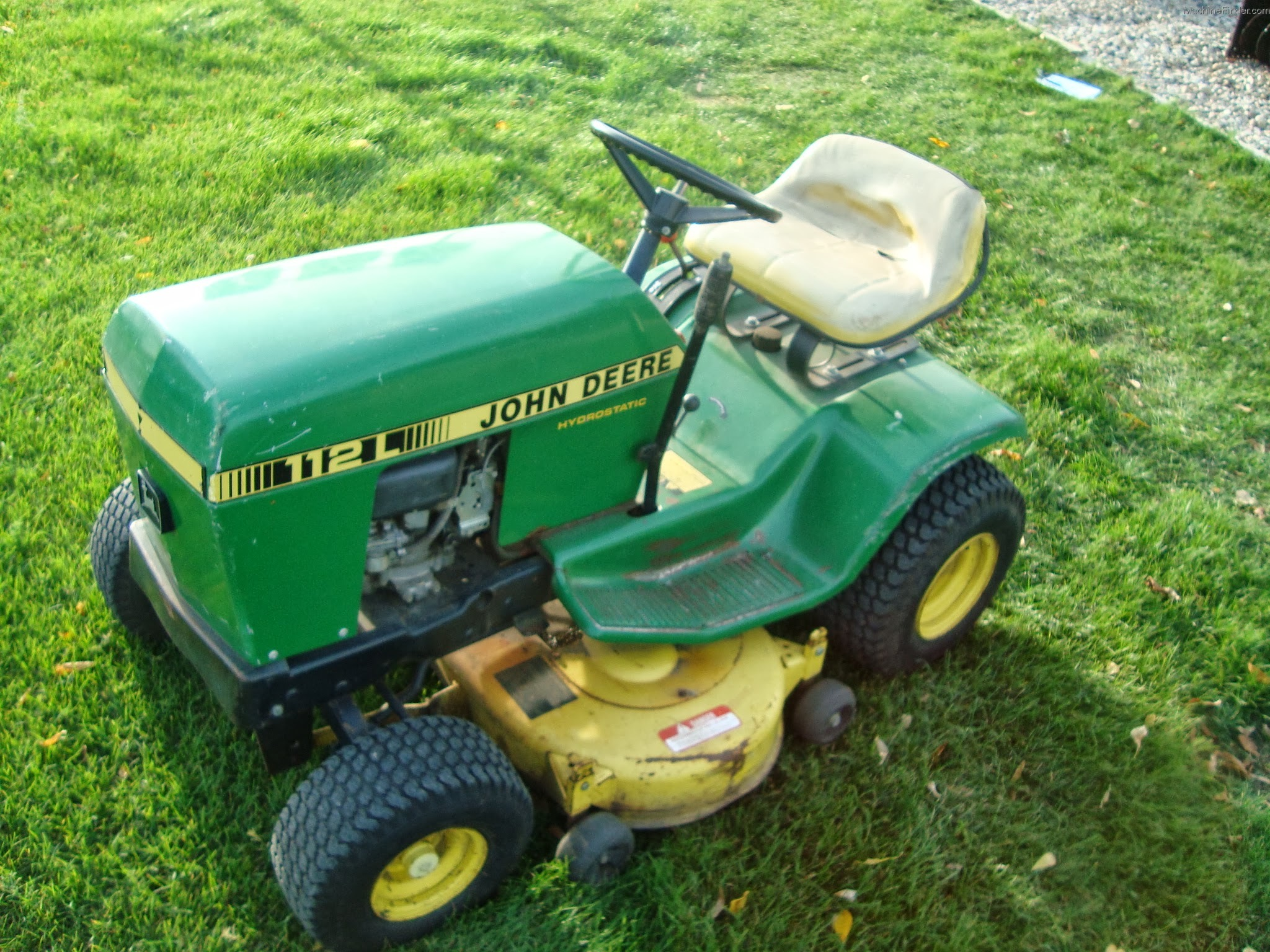 1985 John Deere 112 Lawn & Garden and Commercial Mowing - John Deere MachineFinder