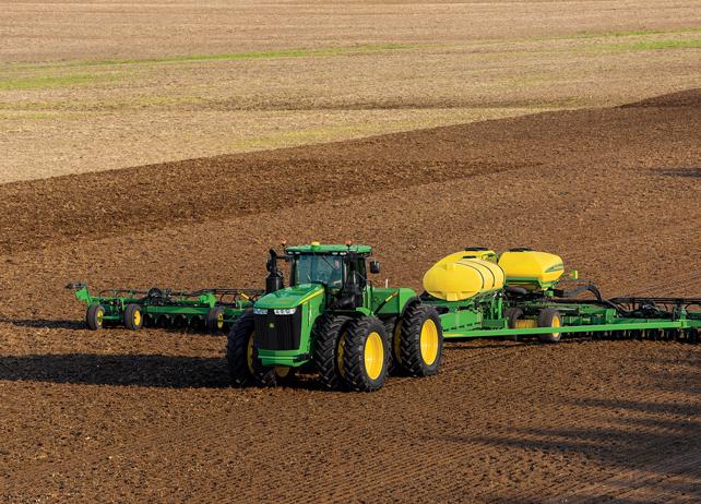 Image Gallery: 20 Power Shots of John Deere 9R Series Tractors
