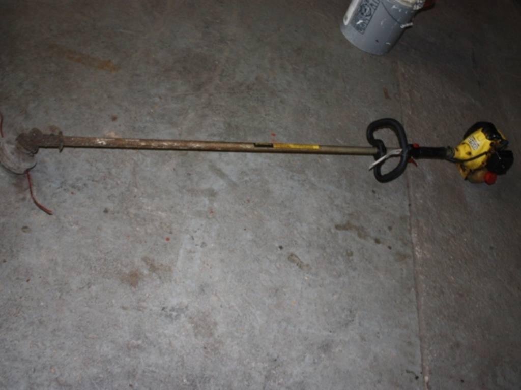 John Deere string trimmer 25S