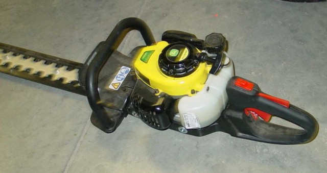 John Deere Gas Power Hedge Trimmer
