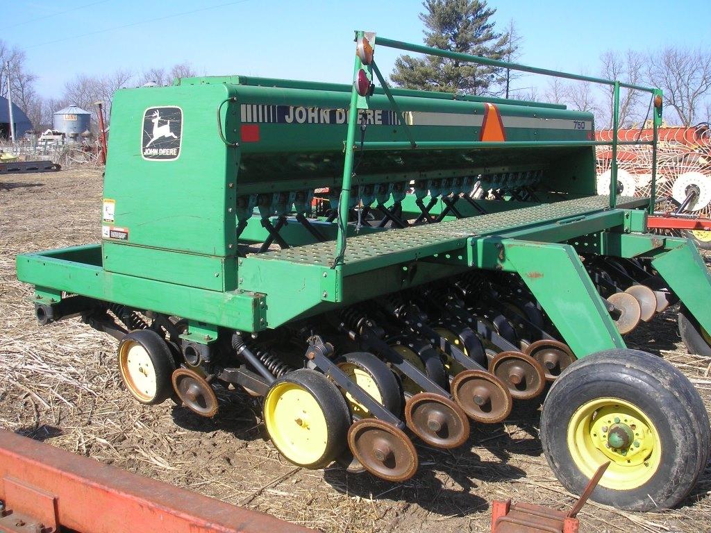 John Deere 750 15' No Till Drill
