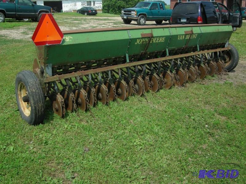 John Deere Model B Van Brunt 16' ft grain drill   Vehicles ...