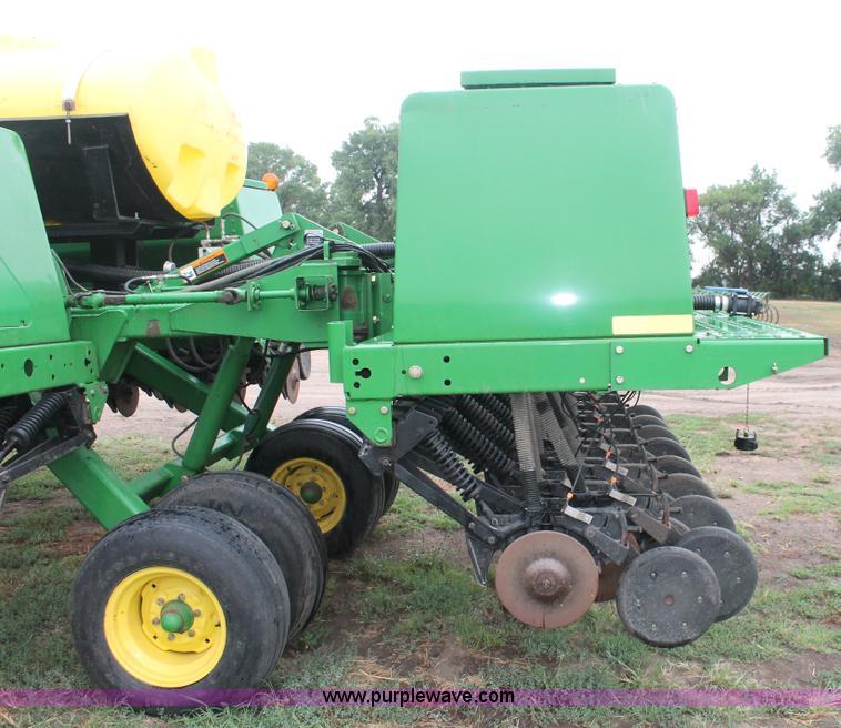 2004 John Deere 455 grain drill   no-reserve auction on ...