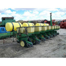 Salvaged John Deere 7000 planter / drill for used parts ...