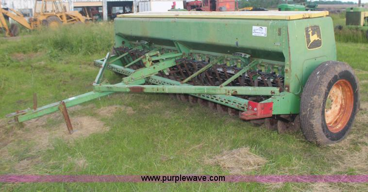 John Deere 8000 drill | no-reserve auction on Wednesday ...