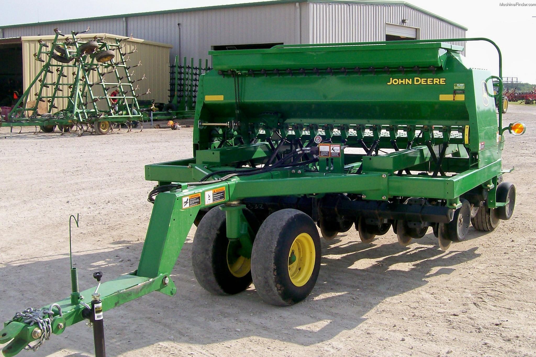 Product Spotlight: The John Deere 1590 No-Till Drill