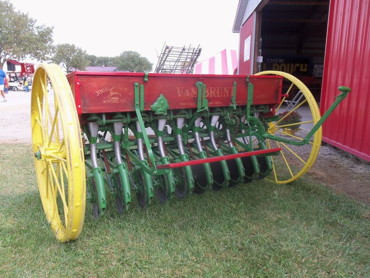 Rear of John Deere Van Brunt grain drill   Antique Farming ...