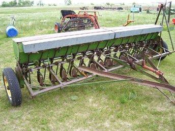 John Deere Van Brunt RB Grain Drill (Front) - TractorShed.com