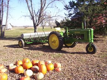 John Deere Model B Grain Drill - TractorShed.com