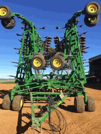 Air Seeders & Combines