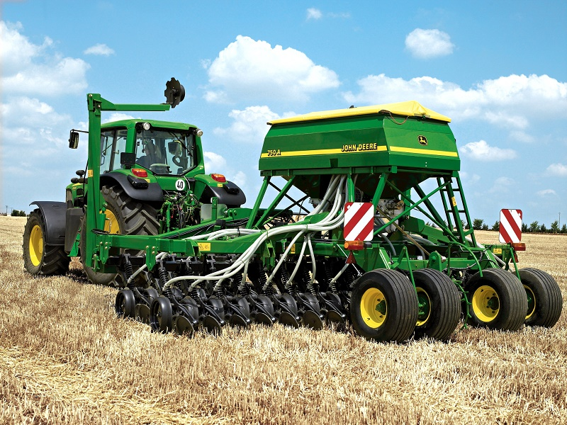 Cereals 2016: John Deere Drill Aids Blackgrass Control ...