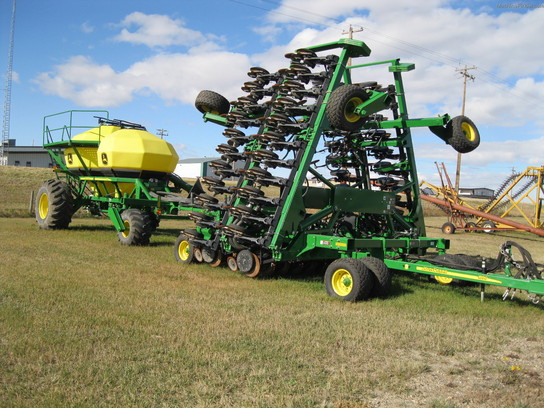 8 Standout Features that Define the John Deere 1890 Air Seeder