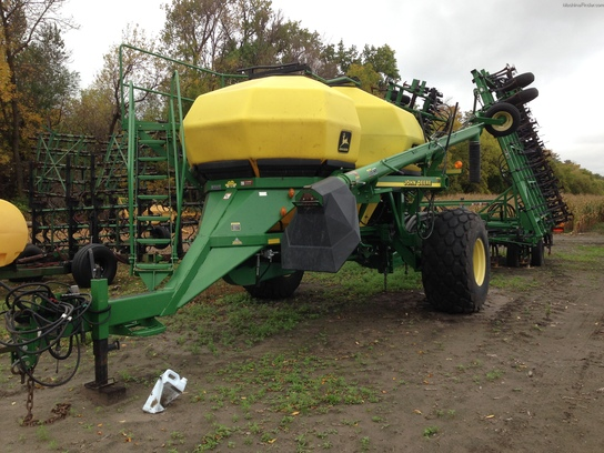 2001 John Deere 730 Planting & Seeding - Air Drills ...