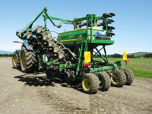 John Deere 750A drill