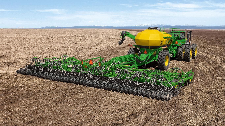 Seeding Equipment   730 Air Disk Drill   John Deere CA