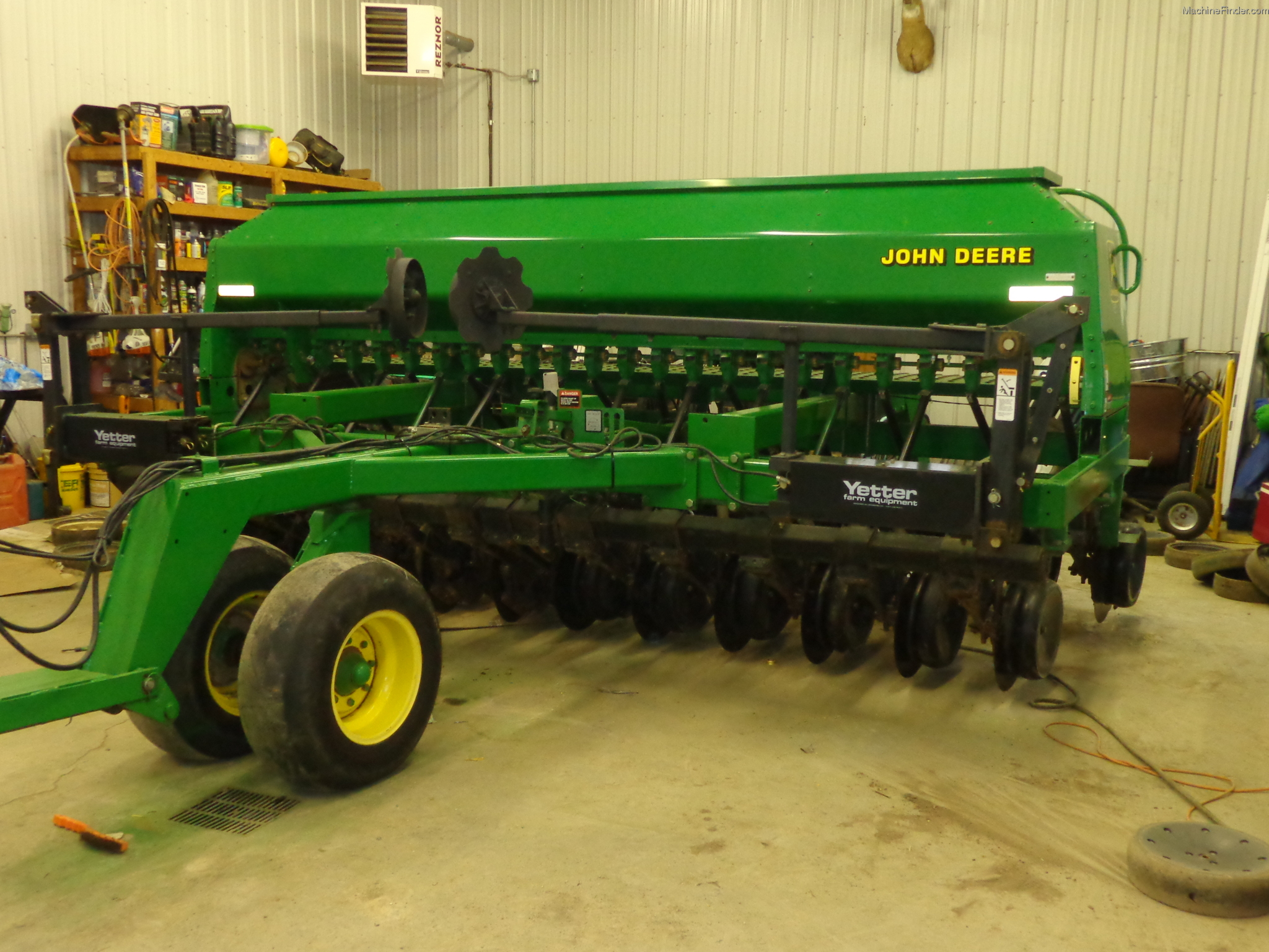1999 John Deere 1560 Planting & Seeding - Box Drills ...