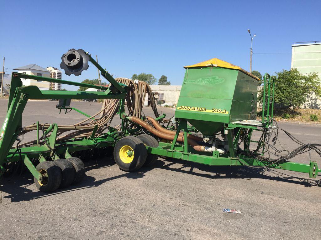JOHN DEERE 740A pneumatic seed drills for sale, pneumatic ...