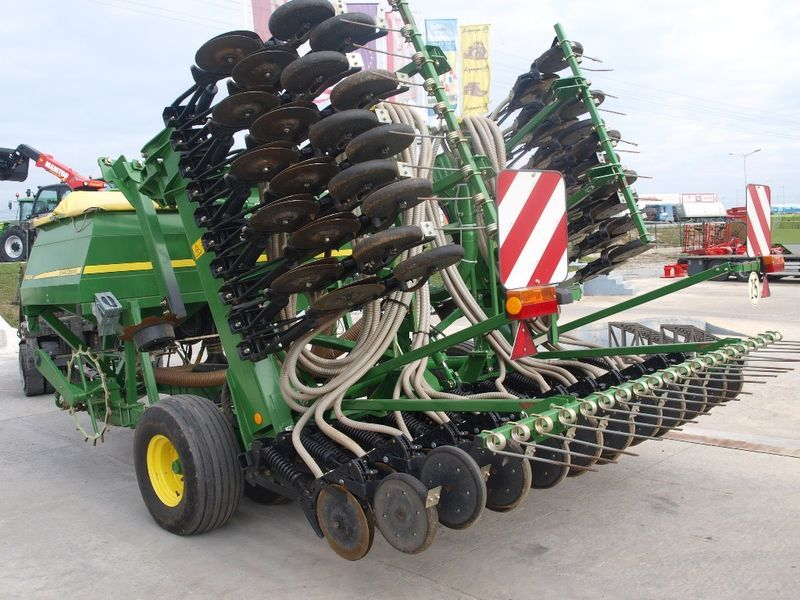 JOHN DEERE 740A pneumatic seed drill from Bulgaria, sale ...
