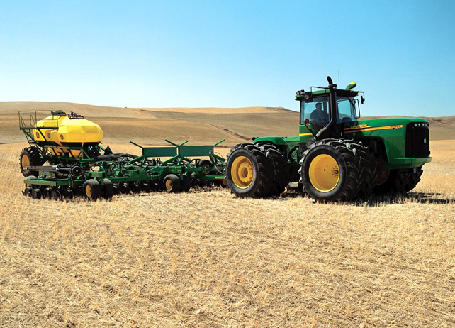 Examining the Benefits of the John Deere 1895 Air Drill