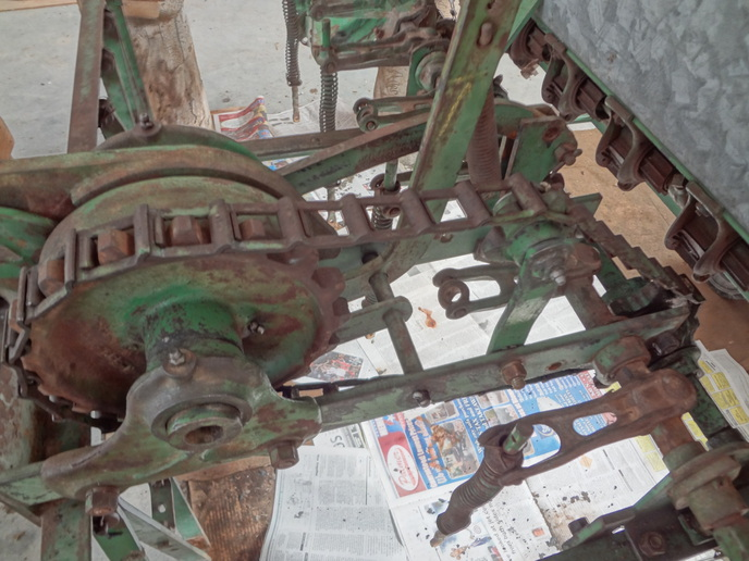 JD model B grain drill, chain ... - Yesterday's Tractors ...